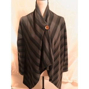 Cardigan/cover up/cape